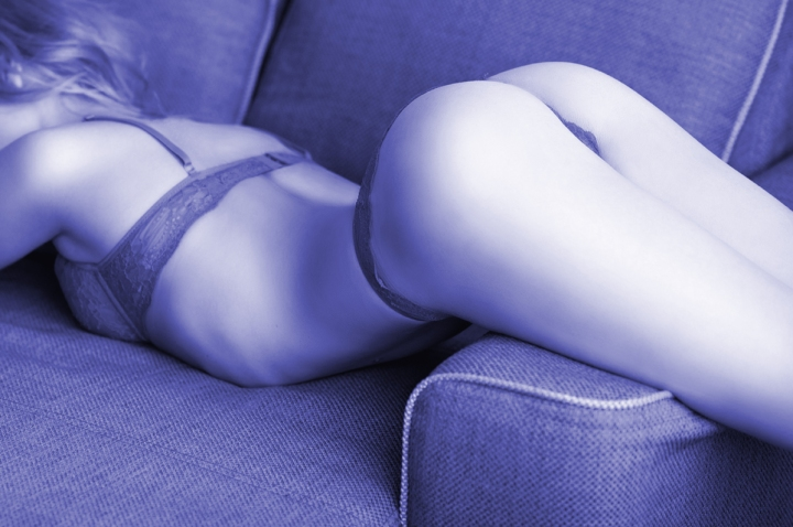 Spanking-Sofa
